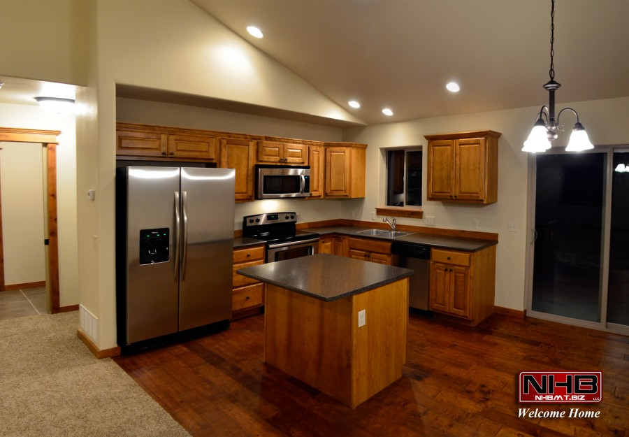 Kitchen with Stainless Steel and hardwood floors